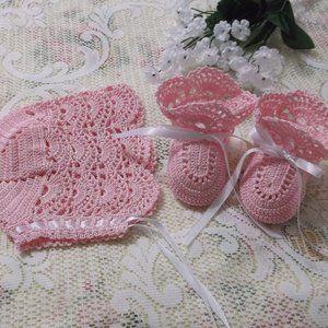 Handmade Crocheted Baby Bonnet/Booties Set - Pink